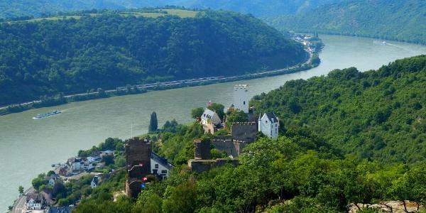 Blick vom Rheinsteig auf die Feindlichen Brüder