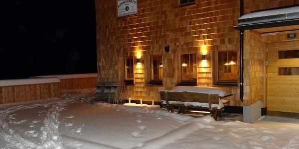 die Hütte lädt ein zur gemütlichen Übernachtung