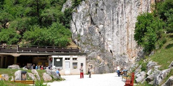 A Baradla-barlang aggteleki bejárata