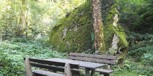 Platz am Großen Stein in Edlitz   Bucklige Welt