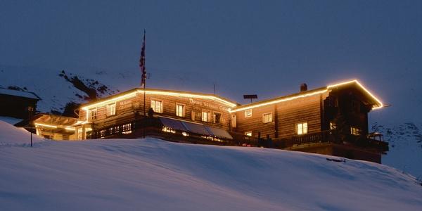 Das Berggasthaus im Winter