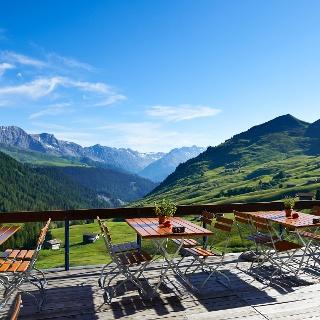 Die Terrasse des Berggasthauses