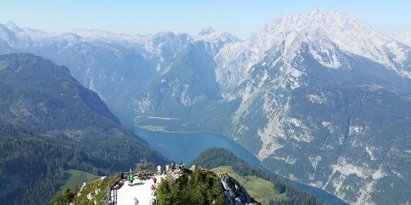 Ausblick vom Gipfelkreuz