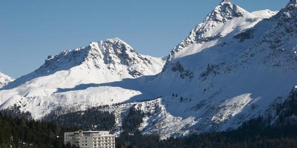 Das Tschuggen Grand Hotel im Winter
