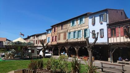 Mirepoix - Place Marechal Leclerc