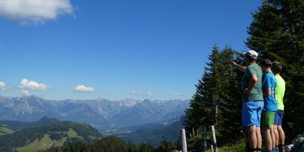 Am Gipfel des Piesenkopf