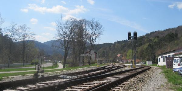 Bahnanschluss in Weissenbach an der Triesting (09.04.2012)