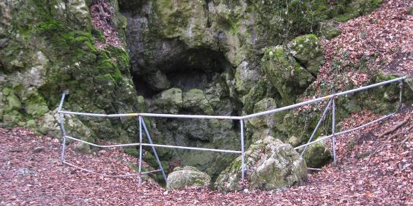 A Szopláki-ördöglyuk bejárata