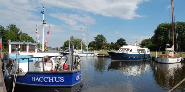 Yachthafen in Weener