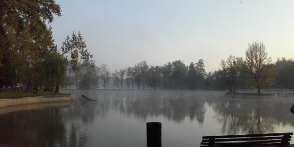 Abaliget, Csónakázó-tó egy áprilisi reggelen