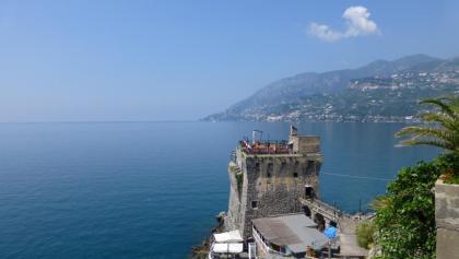 Fantastische Ausblicke auf der ganzen Strecke der Amalfitana