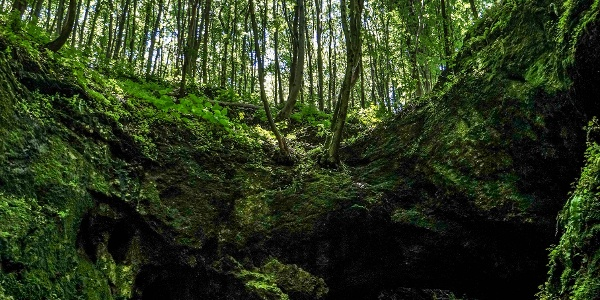 Az Udvar-kő-barlang (Dante pokla)