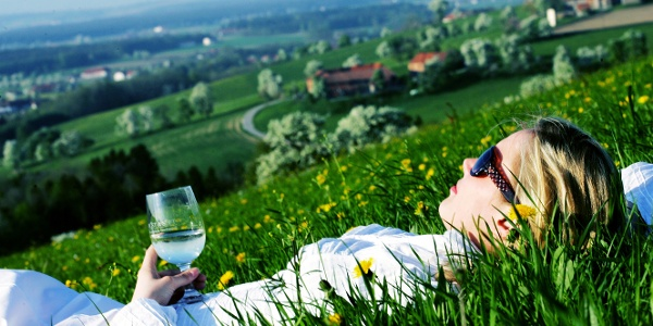 Entspannt in der Blumenwiese