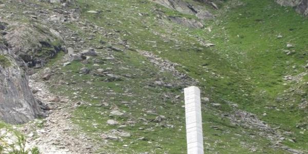 Marmorsäule vor dem Steinbruch