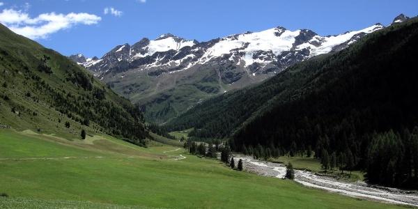 Blick hinein ins Tal