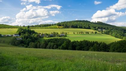 Blick zurück auf Ohlenbach und das Waldhaus Ohlenbach