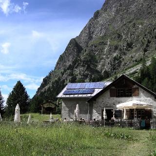 die malerisch gelegene Verpeilhütte