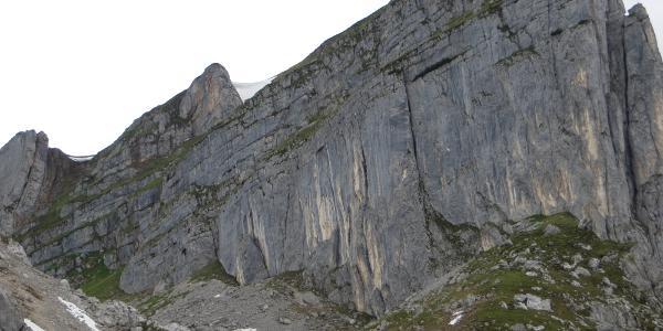 Blick zurück zum Abstieg von der Rofanspitze