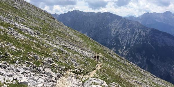 The path gets steeper and rockier after the Pleisenhütte