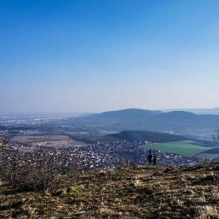 Kilátás Budapest felé a Nagy-Kevély csúcsáról