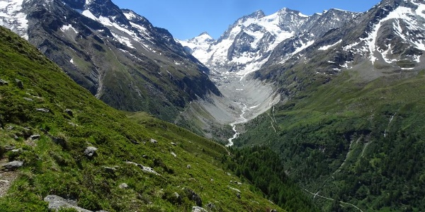 Return to Zinal after Lac d'Arpitettaz
