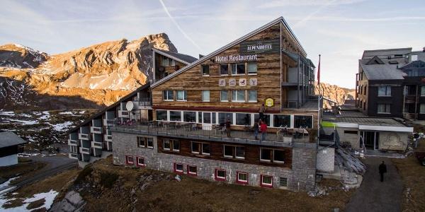 Fischers Alpenhotel Aussenansicht