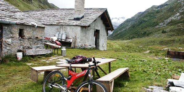 Alp Petpreir kurz nach Ca d Starnam