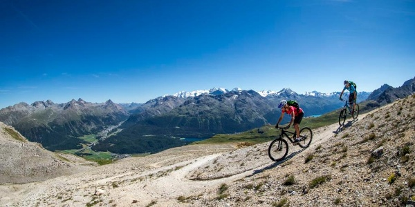 Blick vom Trais Fluors ins Bernina Tal