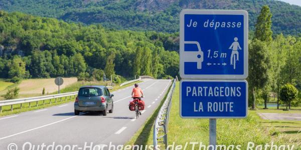 Die allermeisten der Autofahrer in Frankreich nehmen ganz viel Rücksicht.