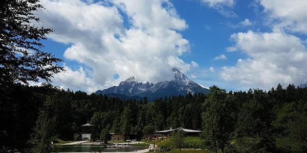 Aschauerweiher Naturbad mit Watzmann