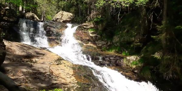 Riesloch- oder auch Rißloch-Wasserfälle