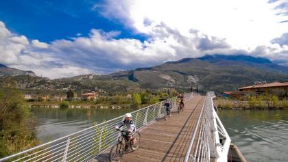 The cycle way on the bridge in Torbole