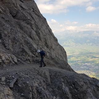 Aufstieg im Fürstensteig hoch überm Rheintal