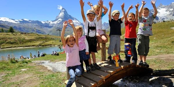 Le Leisee est un paradis pour les enfants. Ici, ils peuvent jouer, se baigner et faire les fous!