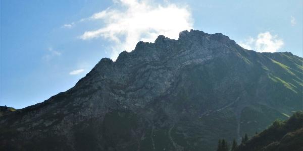 Die Plattnitzer Jochspitze mit ihrem markanten Ostgrat