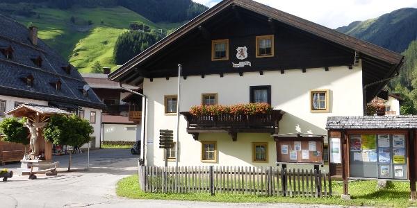 Das Barmer Haus steht in Ortsmitte von St. Jakob.