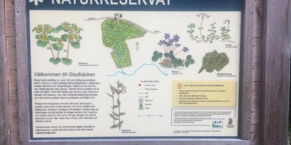 Skylt med information om naturskyddsområdet