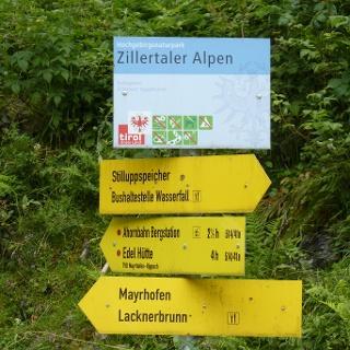 Abzweigung nahe Gasthof Wasserfall