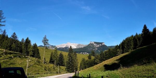 Blick auf das nördlich gelegene Warschenckmassiv vom Parkplatz der Bosruckhütte