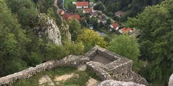 Blick von Hohengundelfingen ins Lautertal