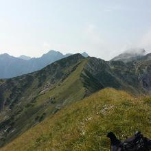 Blick vom Gipfel in Richtung Krapfenkarspitze