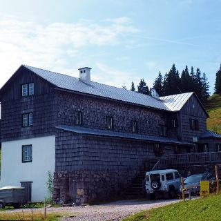 Sepp-Huber-Hütte 1506m im Sommer
