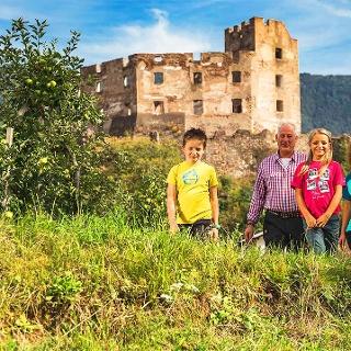 Castle trail San Genesio Rafenstein Bolzano