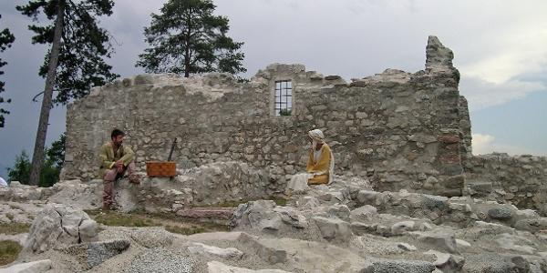 Sito archeologico Monte di S. Martino Lundo - Il cavaliere e la fortezza