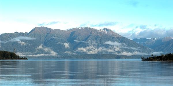 View of the idyllic lake Te Anau