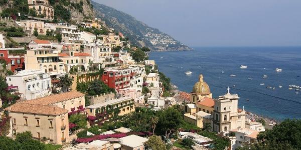 Ausblick auf den Küstenort Positano