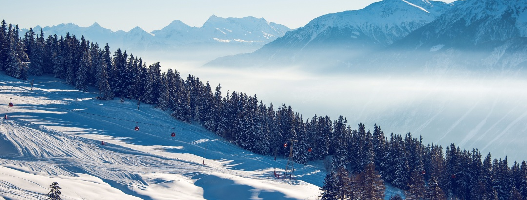 View on the winter hike from Cry d'Er to Crans-Montana