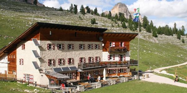 Die Lavarella - Hütte, auch im September