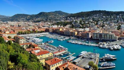 Blick auf den Hafen von Nizza