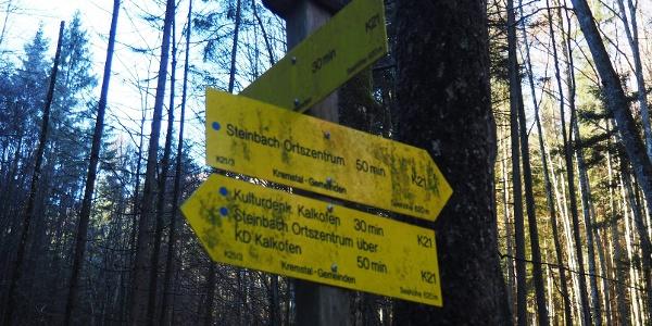 Wegteilung 620m, links weiter